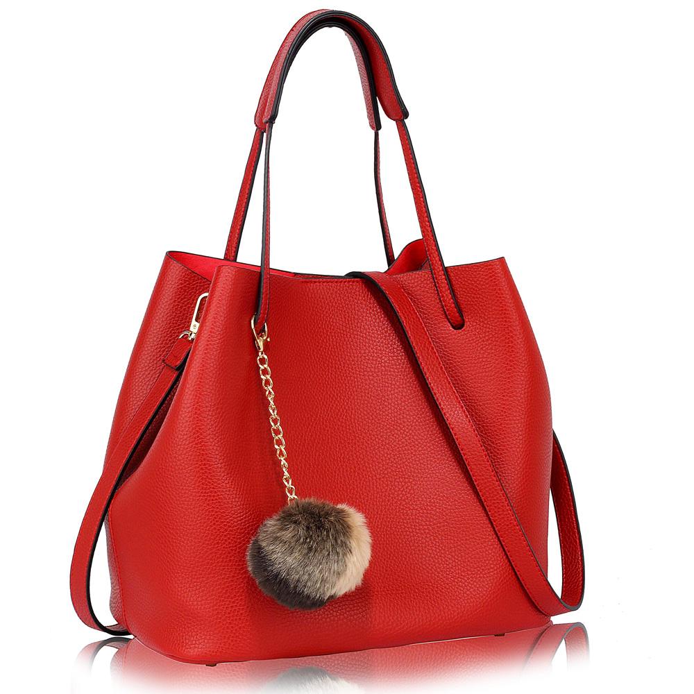 10955e678ec9 LS Fashion moderní červená dámská Hobo kabelka s kožešinovou ozdobou (1 5)