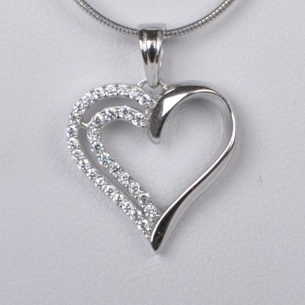 Stříbrný přívěšek srdce se zirkony - 1 a821ff8cd34